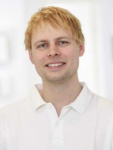 <b>Andreas Hutter</b> - Dr-med-dent-Andreas-Hutter