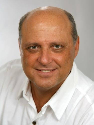 <b>Adrian Chinta</b> - Dr-med-Adrian-Chinta
