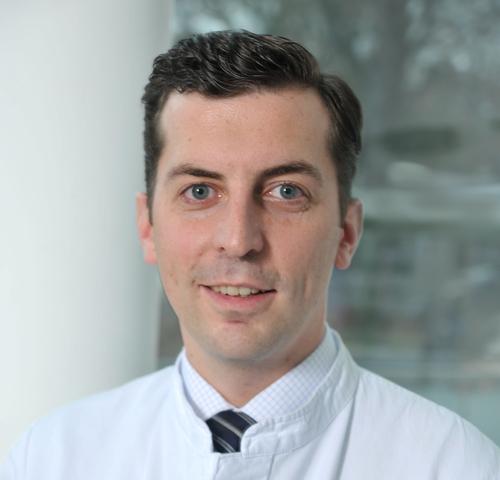 Dr Wanjala Samson H M: Dr. Daniel M. Handzel Febo In 36037 Fulda, Facharzt Für