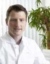 Dr. med. Simon Grüß