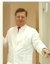 Dr. med. Dr. med. dent. Priv. Doz. Kristian Bieniek